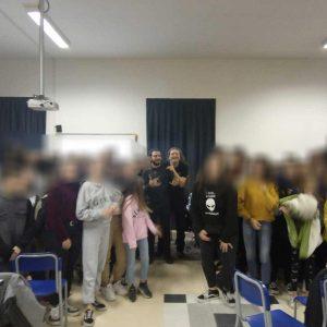 """Gli Studenti Dell'I.C. Mercantini A Lezione Dall'associazione """" Produzioni Non Necessarie"""""""